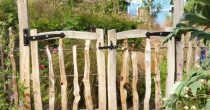Chestnut cleft fence & Gate