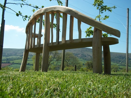 Chaise longue chestnut and oak garden bench back