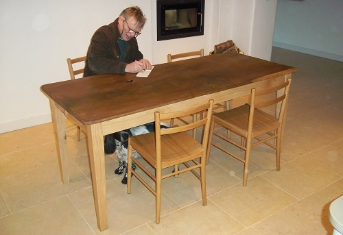 chestnut-frame-table-with-elm-top