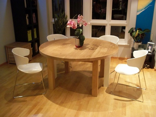Circular oak table