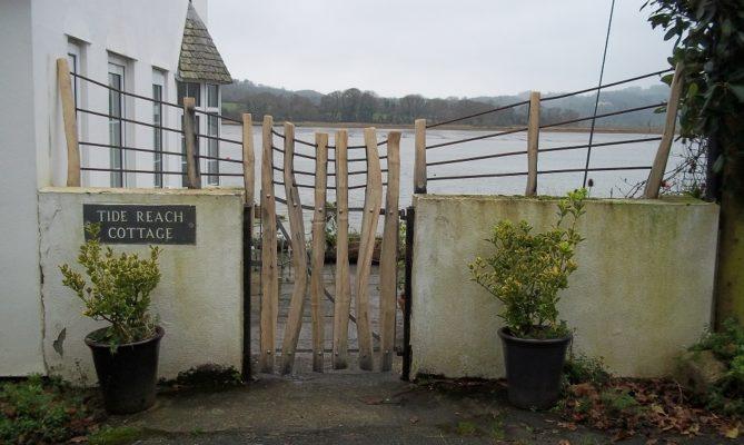Driftwood garden gate and rails Ed Brooks Furniture