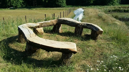 Horseshoe viewing bench 1