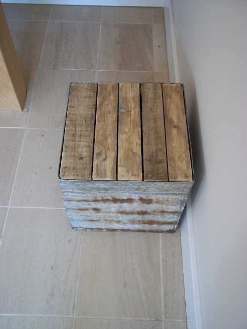 Pallet and galvanised block 2