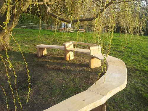 oak and chestnut circular organic bench seat
