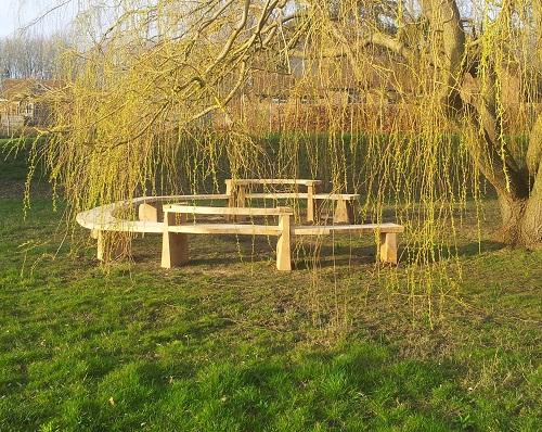 oak and chestnut circular organic bench
