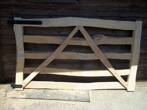 split cleft chestnut 5 bar gate