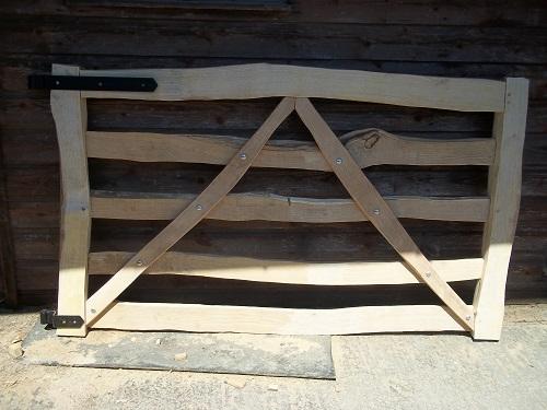 split cleft chestnut 5 bar gate